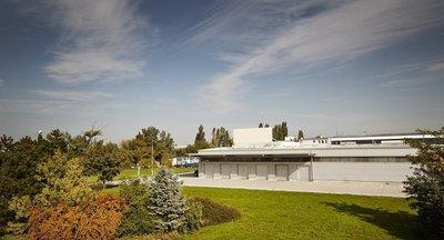 Prenájom haly Bratislava s veľmi dobrou prístupnosťou z diaľnice D1 (Bratislava, Viedeň, Budapešť,Brno)