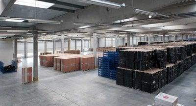 Prenájom skladu so službami, uskladnenie paliet v Dunajskej Strede/ Full service pallet rental in Dunajská Streda