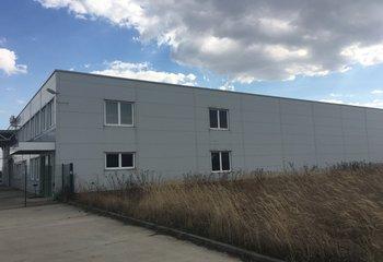 Moderná výrobná hala Pezinok 3500m2 na predaj, alebo prenájom/ Production hall for lease or sale - 3.500 sq m Pezinok