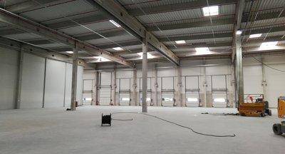 Moderné skladovo-logistické priestory v Bratislave s priamym napojením na D1 / Warehouse or logistics hall in Bratislava with immediate access to D1 highway