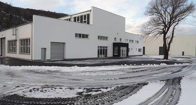 Na prenájom skladová / výrobná hala v blízkosti Volkswagenu v Bratislave