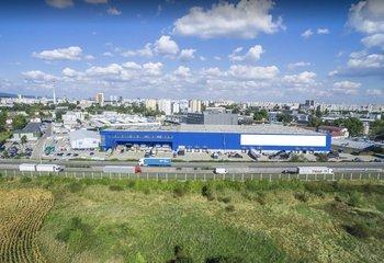 Paletové miesta v sklade so službami priamo v Bratislave / Full service pallet rental in Bratislava