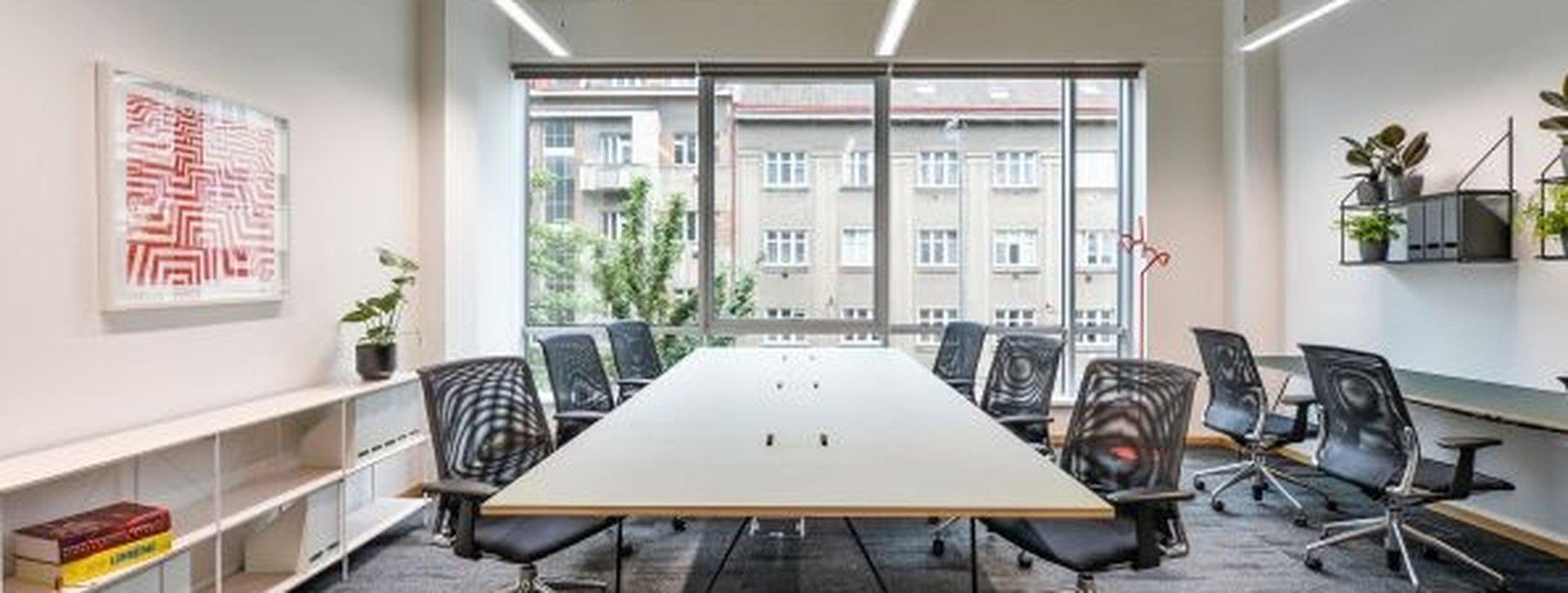 548087-resize_administrativni-budova-lomnickeho-nusle-praha-4