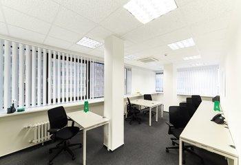 Kanceláře k pronájmu ihned - Holešovice - vybavení a služby v ceně