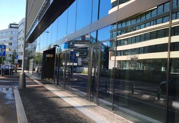 Obchodní jednotka - výborná lokalita Palmovka - Praha 8 - 180 m2