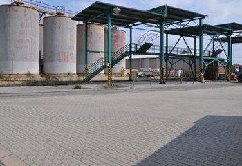 Pronájem: Skladové a výrobní prostory s vlečkou - Nelahozeves / D8