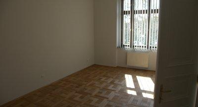 Pronájem kanceláře - Praha 5 - 150 m2