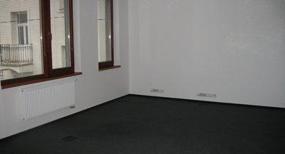 Pronájem kanceláří - Praha 4 - 389m2 a 436m2, celkem 825m2