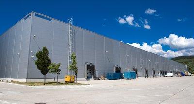 Skladová hala na prenájom v Bratislave/ Warehouse hall for rent in Bratislava