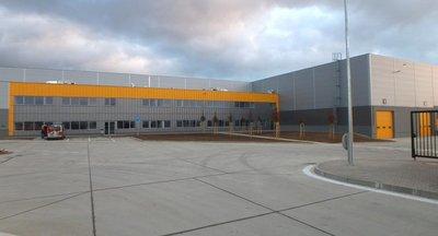 Skladová a výrobná hala na prenájom v Dubnici nad Váhom/ Warehouse and production hall for rent in Dubnica nad Váhom