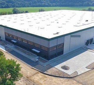 Prenájom skladovej alebo výrobnej haly v Žiari nad Hronom/ Warehouse or production hall for lease in Žiar nad Hronom