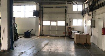 Pronájem: skladovací a výrobní prostory, Chropyně