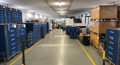 Pronájem: výrobní a skladové prostory 1.250 - 2.500 m2, Modletice u D1