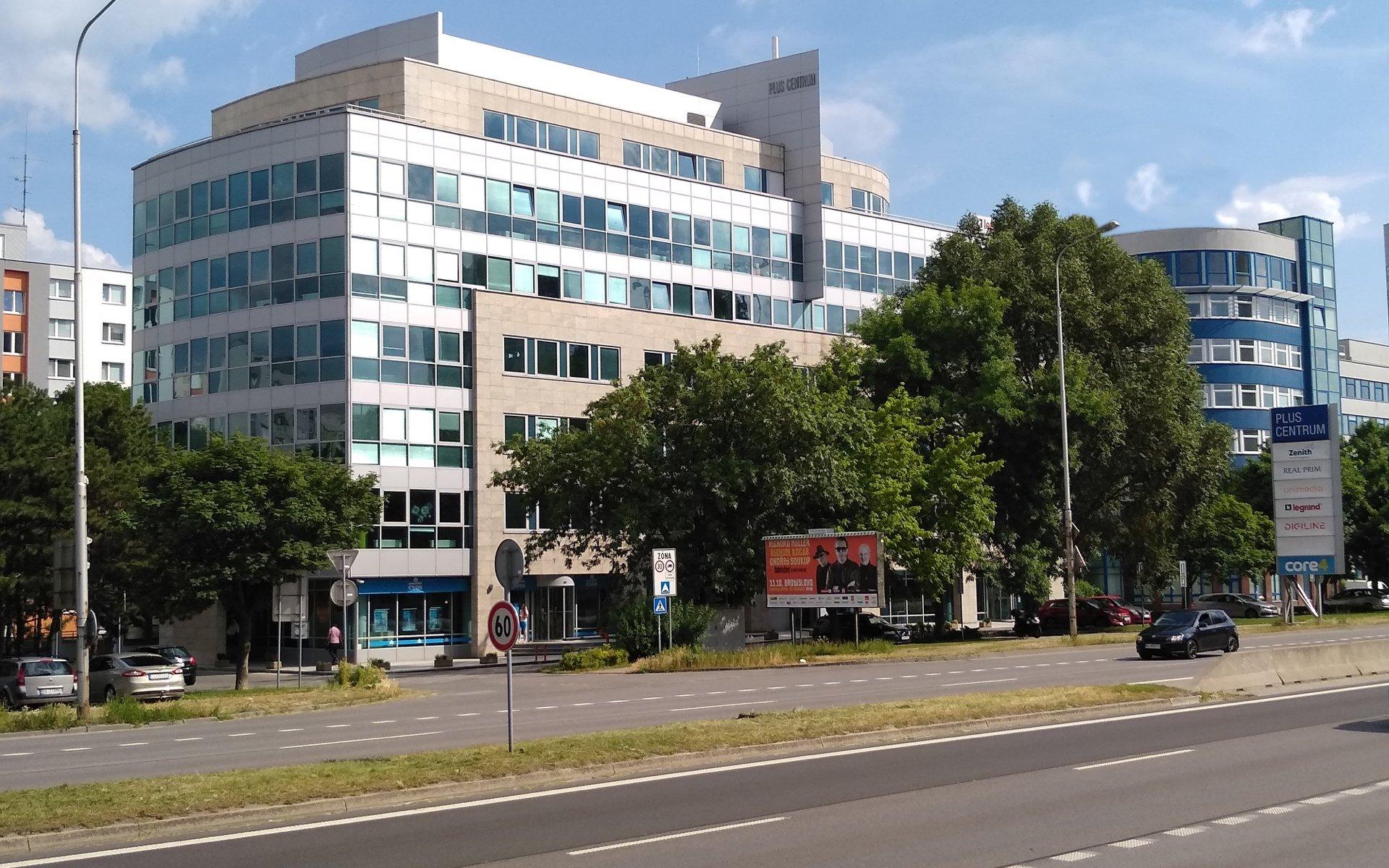 Lease, Commercial Offices, 2500m² - Bratislava-Petržalka