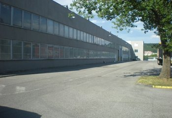 Prenájom skladu/výrobná hala 1400m² v Bratislave-Dubravka/ Warehouse/Production Hall for rent 1400 sq m Bratislava- Dubravka