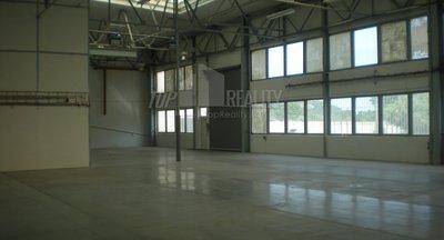 Prenájom skladu/výrobná hala 1300m² v Bratislave-Dubravka/ Warehouse/Production Hall for rent 1300 sq m Bratislava- Dubravka