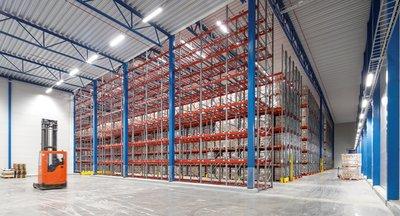 Krátkodobý prenájom skladu s regálmi v Senci/ Short-term lease of warehouse with storage racks in Senec