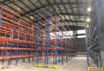 Vermietung von Lager- und Produktionsräumen, 1.240 m² - Sosnová