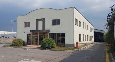 Predaj alebo prenájom industriálneho areálu 5.532 m² - Trenčín / Industrial premises for sale or lease in Trenčín- 5.532 sq m