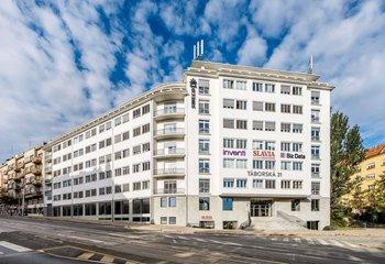 Pronájem jedinečných obchodních prostor - 170 m² - Nusle