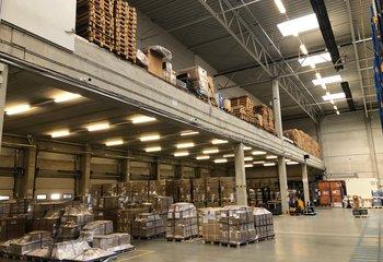 Profesionální logistická společnost nabízí své služby v Pardubicích na D11.
