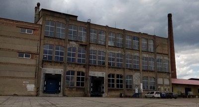 Profesionální logistická firma nabízí své služby ve Zlonicích nedaleko města Slaný - D7.