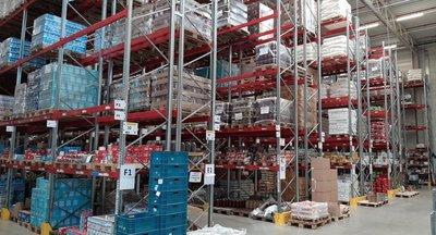 Profesionální logistická firma nabízí své služby v Hostivici u Prahy - dálnice D6.