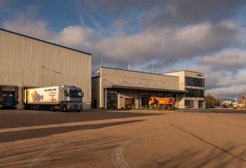 Profesionální logistická společnost Lorenc Logistics z Klatov nabízí své služby.