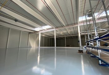 Pronájem skladového prostoru - 3.510 m² - Praha - Horní Počernice