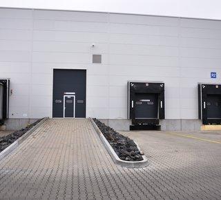 Vermietung von Lager- oder Produktionsflächen - 32.600 m2 - Hustopeče