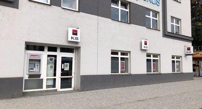 Pronájem výborně umístěných obchodních prostor, 300 m² - Praha - Nusle