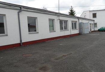 Pronájem skladových a výrobních prostor -  3.165 m² - Planá
