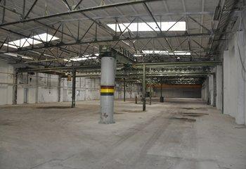 Skladové a výrobní prostory - 4.100 m² - Čelákovice