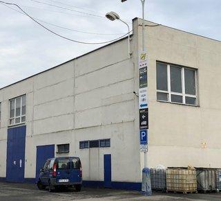 Warehouse / production space for rent - 1,200 m2 - Prague 10 - Štěrboholy