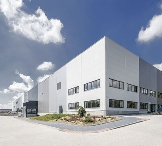 Pronájem skladové haly - 2.969 m² - Přestanov