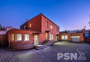 Pronájem komerčního objektu - 319 m² - Strašnice
