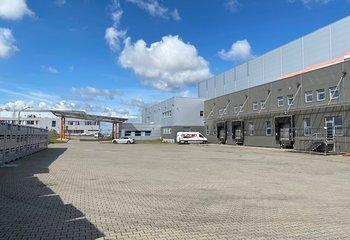 Nabízíme k pronájmu moderní skladové prostory v atraktivní lokalitě Hořice u HK nedaleko E442.