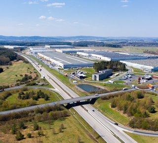 Špičková logistická společnost nabízí své služby v atraktivní lokalitě Bor u Tachova silnice D5 EXIT 128.