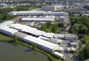 Špičková logistická společnost nabízí své služby v atraktivní lokalitě nedaleko Českých Budějovic u D3.