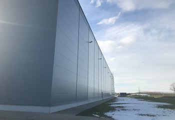 Lease of a modern logistics warehouse with services in a strategic location in Jenč near Prague near Václav Havel Airport.