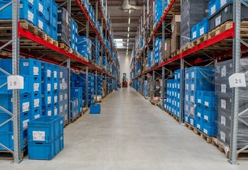 Modern warehouse space for rent, incl. comprehensive logistics services, near the D7, Triangle industrial zone. Storage that meets customer requirements.