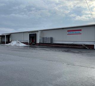 """Kleinere Lagerfläche Typ """"B"""" mit Büro und Mieteinrichtungen in Karviná in der Region Ostrava nahe der PL-Grenze."""
