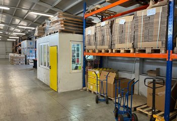 """Smaller warehouse space type """"B"""" with office and facilities for rent in Karviná in the Ostrava region near the PL border."""