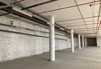 Pronájem komerčních prostor - 1200 m2 Holešovice - Praha 7