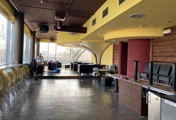 Pronájem komerčních prostor - flexibilní dělění od 50 - 400 m2 Holešovice - Praha 7