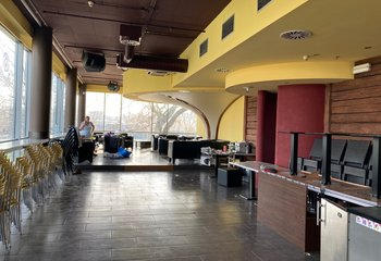 Commercial space for rent - flexible division from 50 - 400 m2 Holešovice - Prague 7