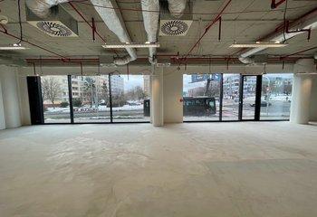 Pronájem výjmečných obchodních prostor - Prosek - 163 m2