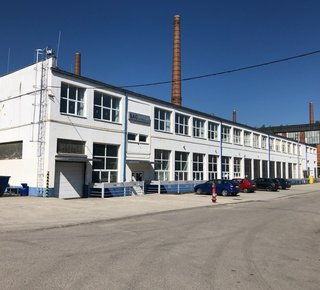 Prenájom skladová alebo výrobná hala- Dubnica n.Váhom/Warehouse or production hall for lease in Dubnica n. Váhom