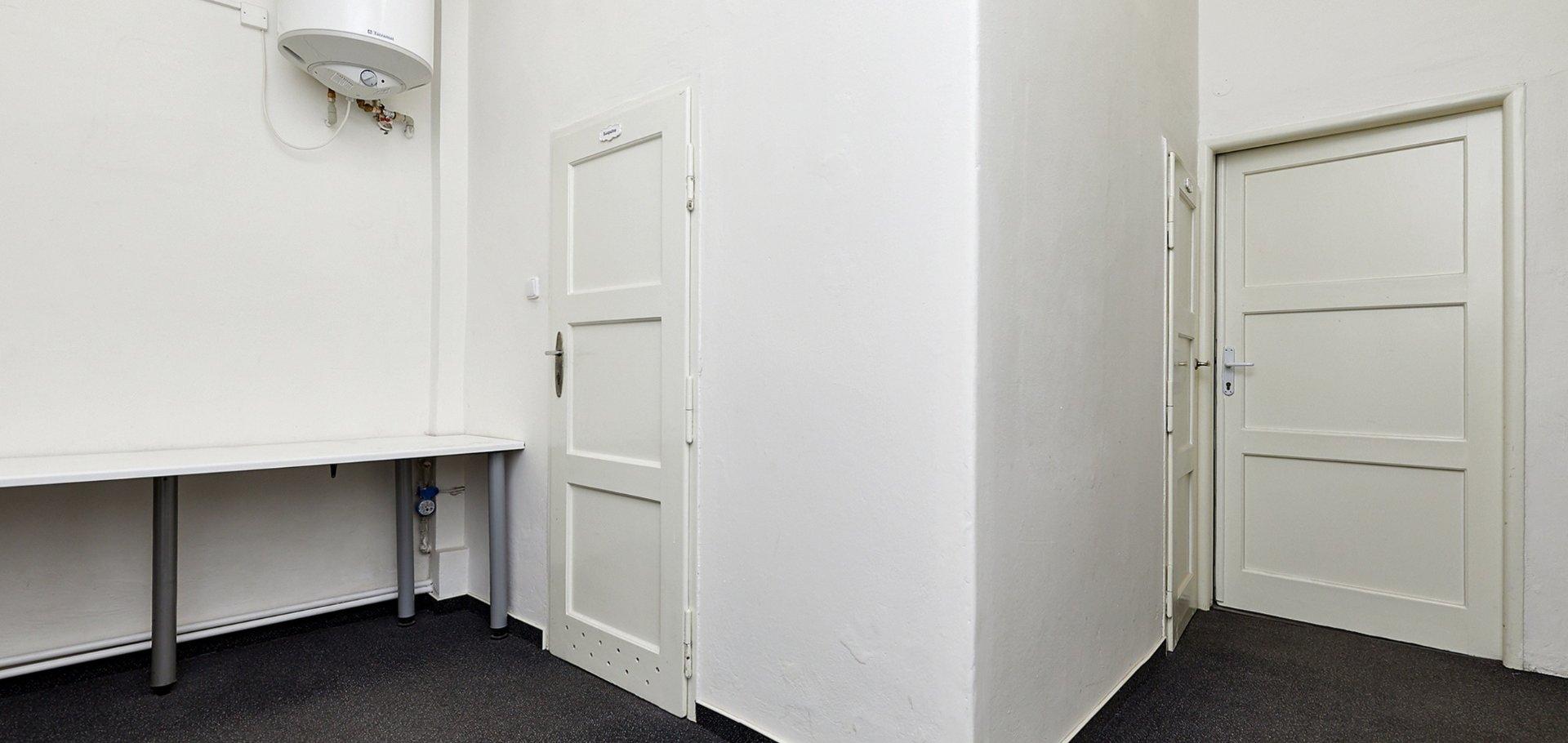 Pronájem, Kanceláře, 109 m² - Praha - Holešovice