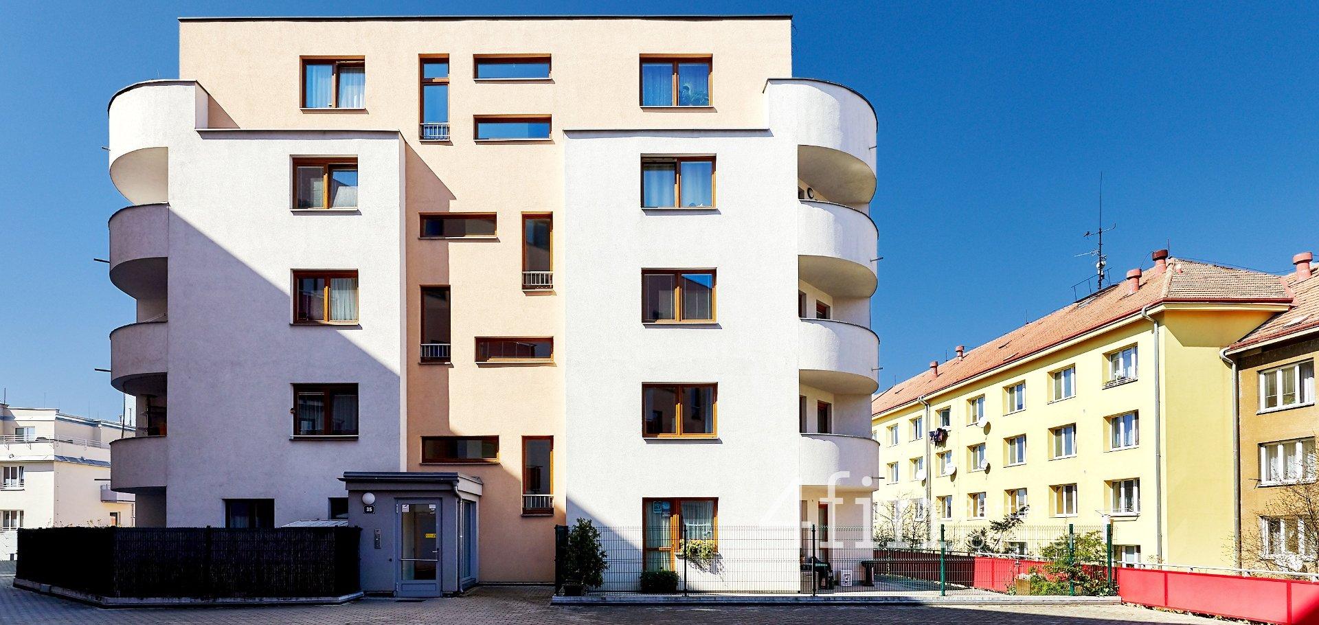 Pronájem, Byty 1+kk, 39m² - Praha - Strašnice